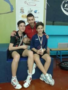 Andrea Giulia ed Alessandro Ceccon con l'allenatore del TT. Torino Andrea Paiola